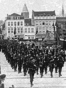 Royal Naval Division arriving in Antwerp