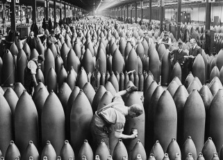 millions of heavy artillery shells were manufactured in WW1 with cotton as a propellant