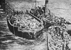 Wounded soldiers evacuated from Gallipoli in filthy boats. Conditions were foul.