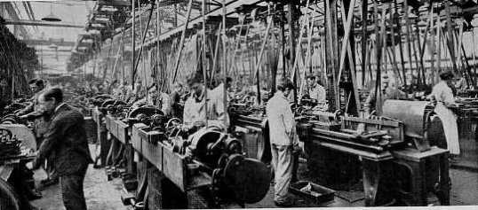Small arms ammunition factory in Birmingham 1914