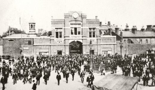 Woolwich Arsenal main gate 1914