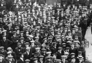 Crowds of young men desperate to recruit in London, August 1914