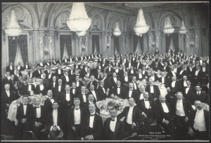A typical banquet at the Astor Hotel in New York.