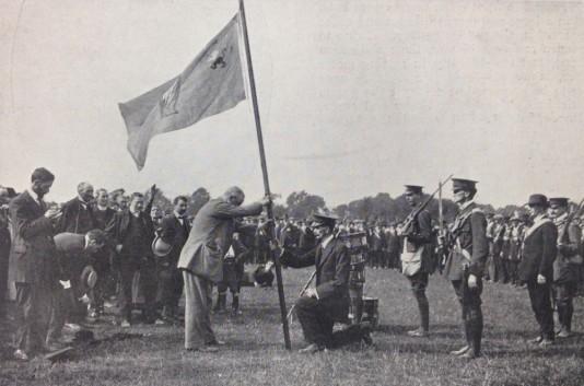 John Redmond awards colours to the Irish Volunteers in December 1914