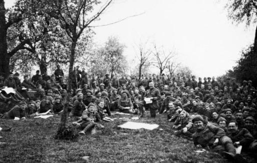 Aubers Ridge 1915. Briefing the Cameronians before the battle.
