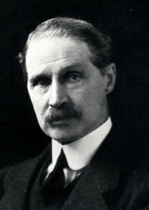 Andrew Bonar Law, leader of the Conservatives in 1915.