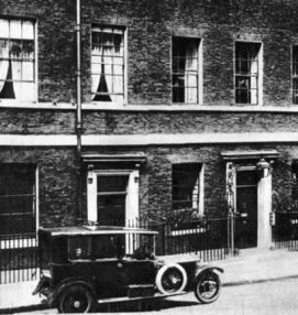 10 Downing Street before the war. The car probably belonged to A J Balfour