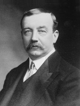 Labour politician Arthur Henderson's commitment to victory and outright rejection of peace in 1916 earned him the approval of the Monday Night Cabal.