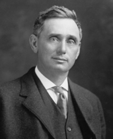 Louis Brandeis reported his discussions with President Wilson to theBritish Zionists, Weizmann and Rothschild