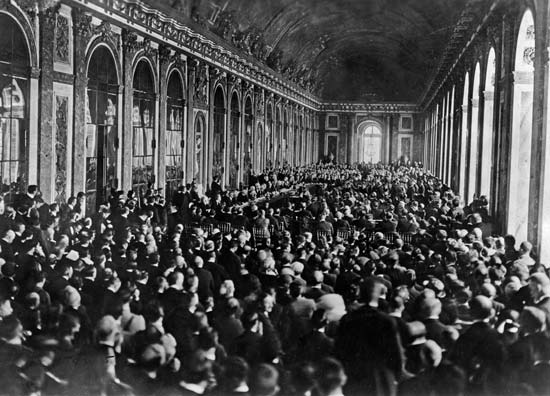 Though formal proceedings took place in the Hall of Mirrors at Versailles, other important meetings took place in other Paris venues and hotels.