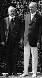 Vance McCormick (left) with President Woodrow Wilson.